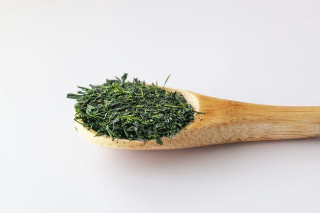 ヘモグロビンA1Cや血糖値を下げて血管を強力に守る 1 日 5 杯の 緑茶 習慣